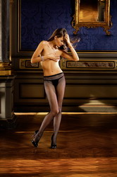 Diamond Fishnet Pantyhose with Backseam (Small To Large)